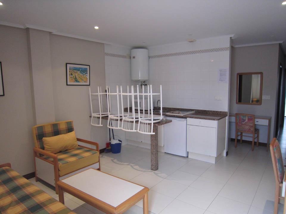 hotel en laredo apto-2-habitaciones-salon-elena