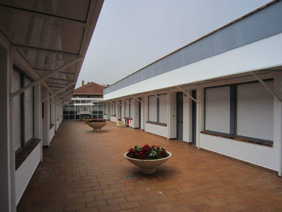 hotel en laredo pasillo-comun-de-complejo-elena_