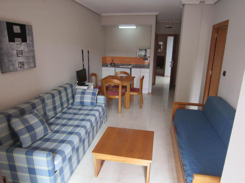 hotel en laredo apto-2-4-salon-laredo-playa