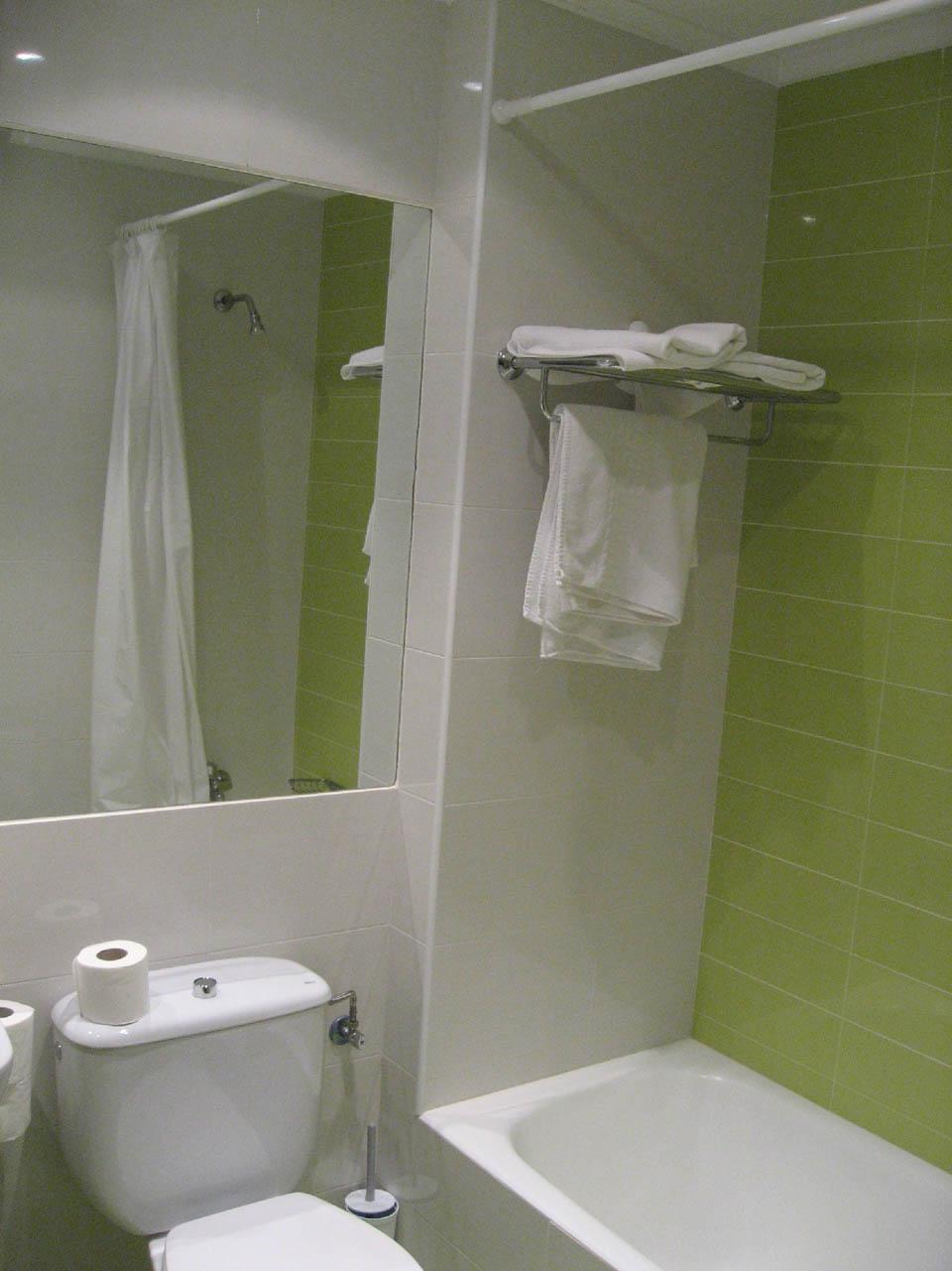 hotel en laredo laredo-playa-2008-bano-verde