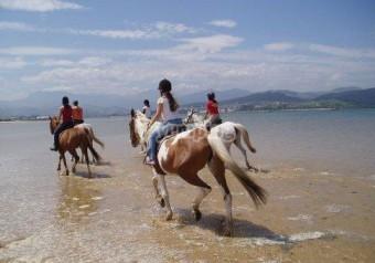 a caballo por laredo